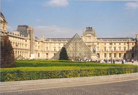 متحف اللوفر بفرنسا (باريس) photo-musee-louvre-2